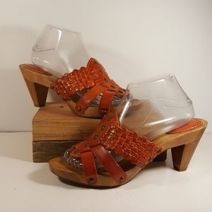 Frye Orange Leather Strappy Wood Heel Sandals 9